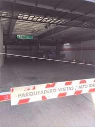 VENDO OFICINA AMPLIA SECTOR REPUBLICA DEL SALVADOR