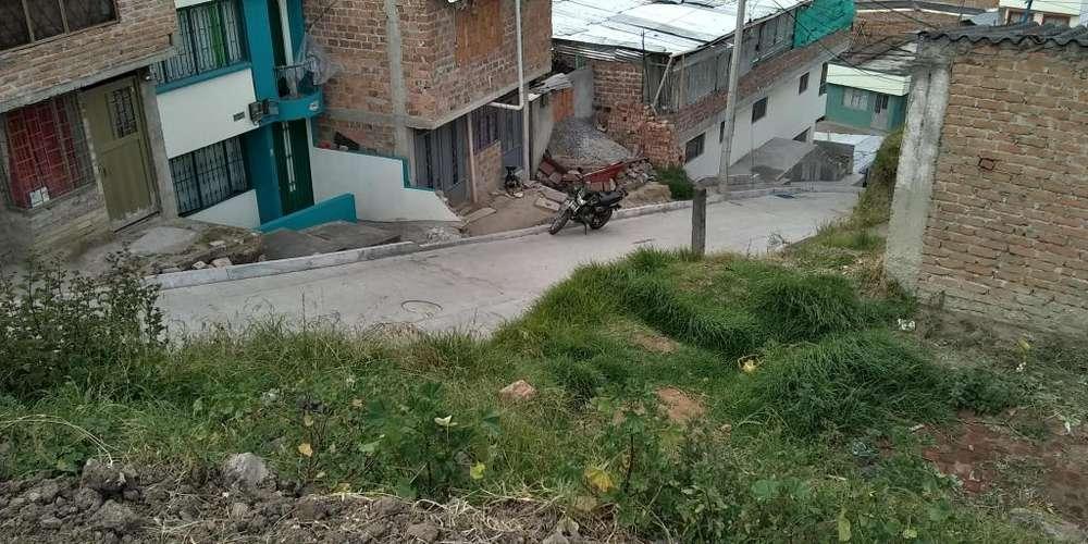 Vendo lote Barrio Caicedo Pasto esquinero y sobre dos vias vehicurares