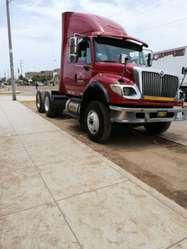 REMOLCADOR INTERNATIONAL 7600 SBA 6X4 DEL AÑO 2008 CON PLATAFORMA