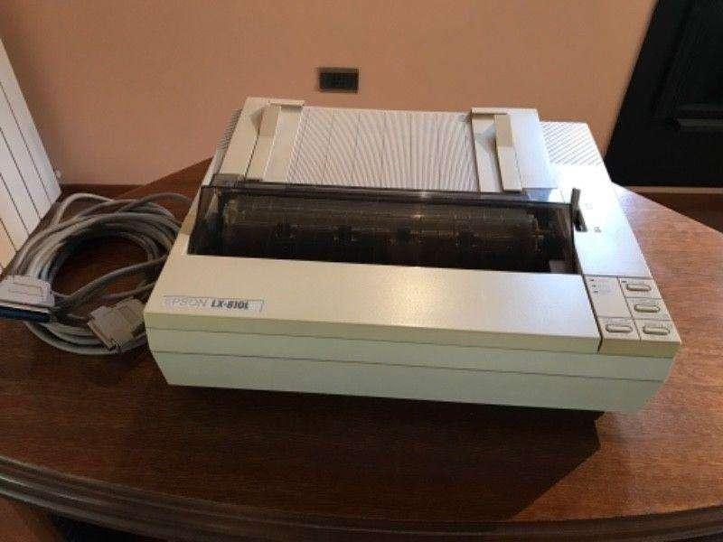 Impresora matriz de punto EPSON LX810