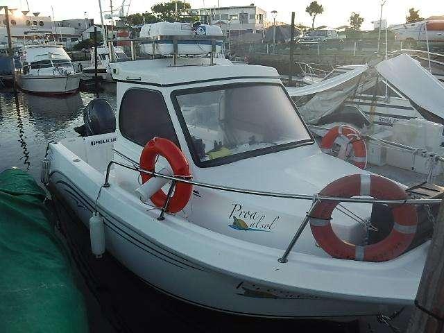 Crucerito de 6,70 mts con motor Yamaha 150 HP