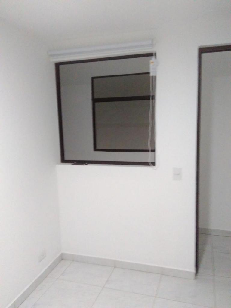 Casa Piso 4 Sector Uribe Angel. Código 877106