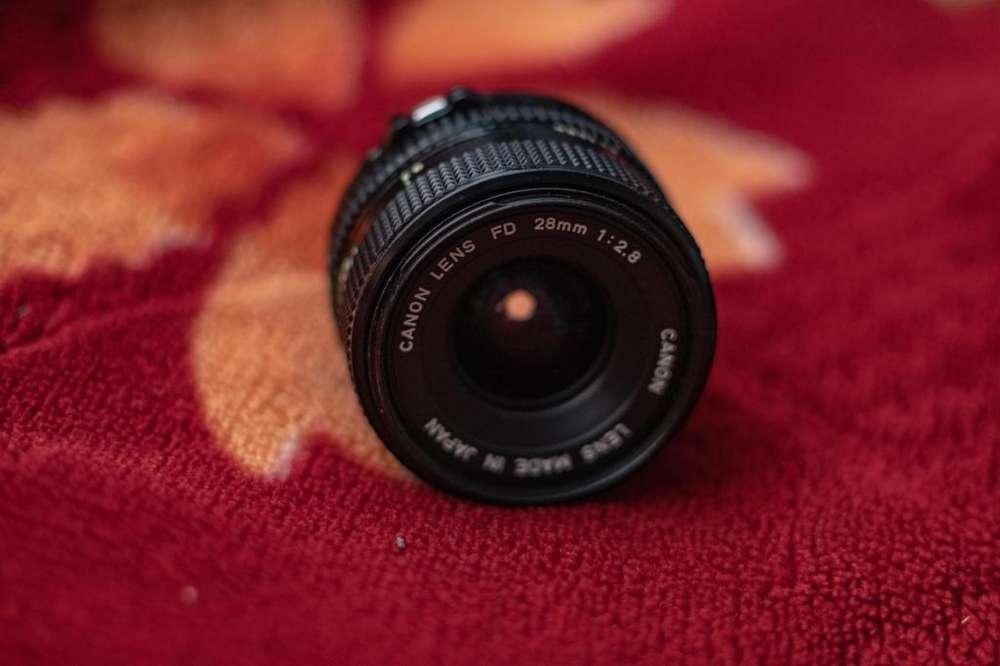 Lente análogo Canon FD 28mm 2.8