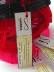 Gorras unisex ajustables con distintos diseños impresos en el frente.