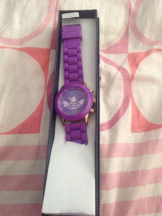 Reloj Morado