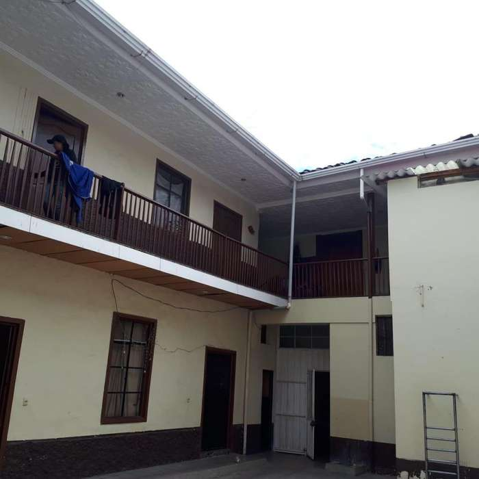 Casa Colonial en Venta Cuenca Rentera/Hotelera/Centro Educativo/Bodegas