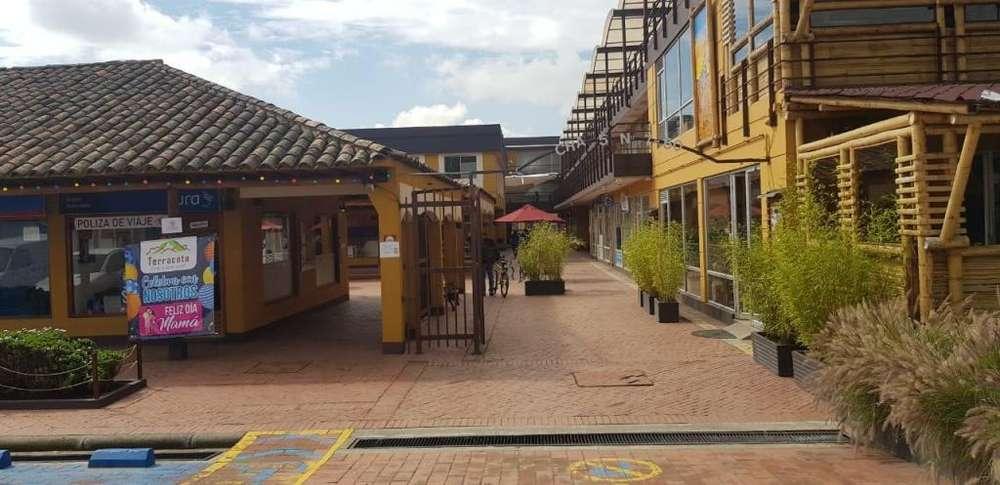 VENDO LOCAL EN CENTRO COMERCIAL DE COTA - wasi_1222919