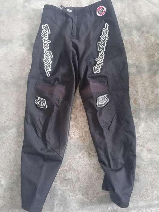 Pantalon Totalmente Impermeable, con Pro