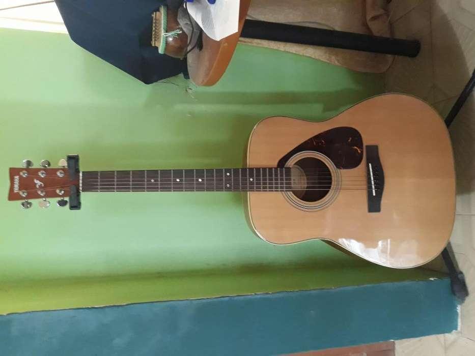 Guitarra acústica de cuerdas metálicas Yamaha F370