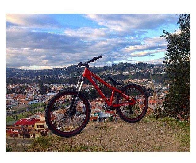 bicicleta rigida - downhill