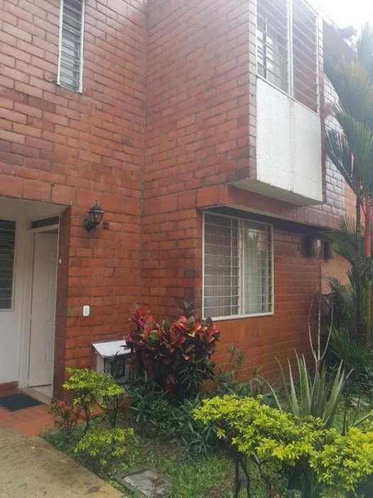 Casa Condominio En Venta En Jamundi Unidad Residencial Cod. VBSBI11885