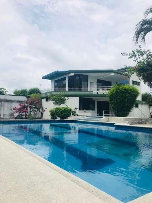 Casa de arriendo en Tonsupa