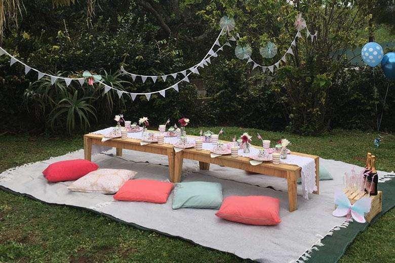 picnic y mesas vintage cali alquiler mobiliario cojines manteles y mas