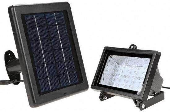 REFLECTOR 30 LED SOLAR C/ACCESORIOS