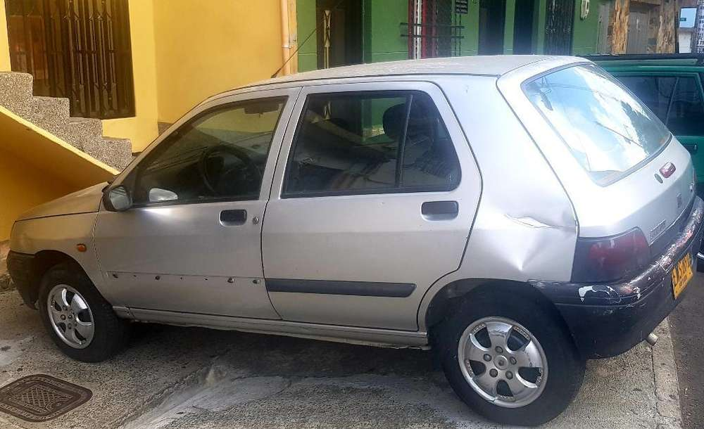 Renault Clio  2000 - 200000 km