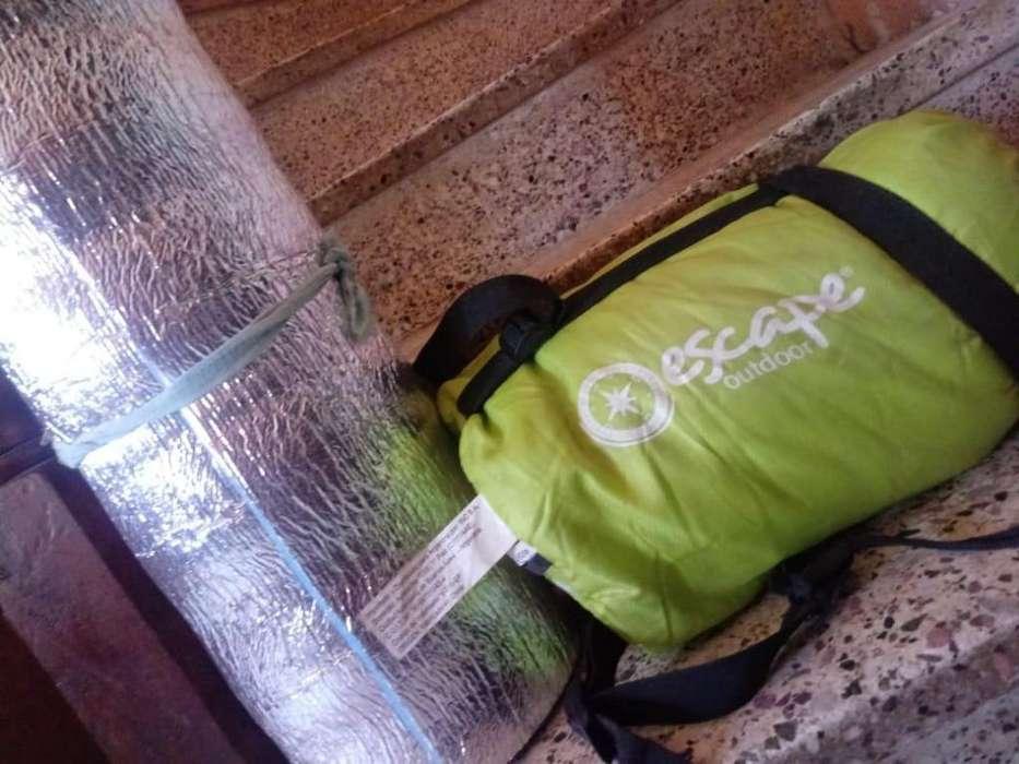 Vendo bolsa de dormir 1 solo uso impecableAislante nuevo