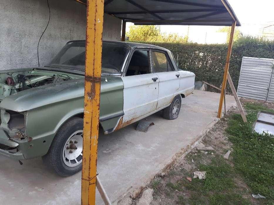 Ford Falcon 1983 - 200000 km