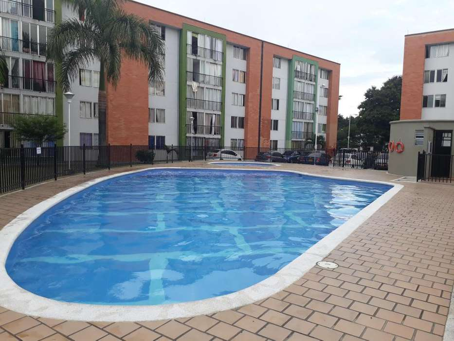 <strong>apartamento</strong> Venta 2 Piso en Unidad Residencial Los Robles Cali Norte Buen Precio