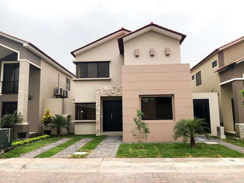 En venta casa en Urb. Ciudad Celeste- Samborondon