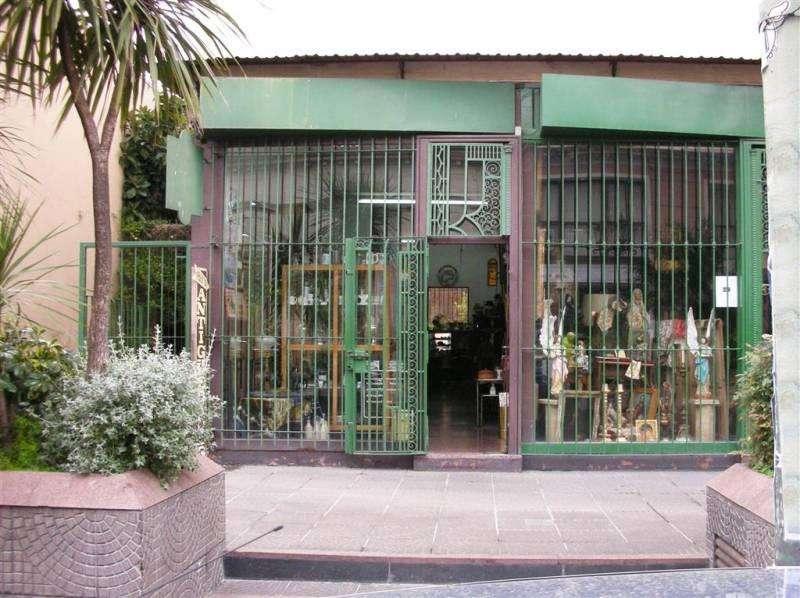 Carlos Calvo 400 Excelente local a 1cuadra y media de la plaza Dorrego y a media del mercado