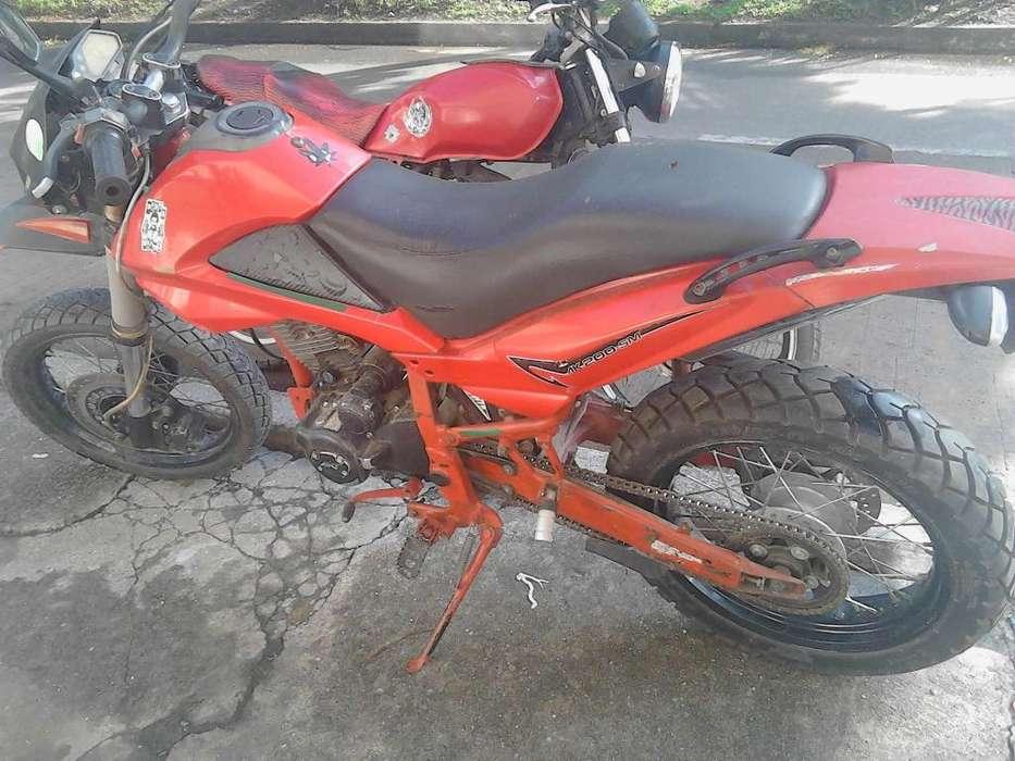 vendo O permuto moto AKT SM 200 modelo 2008