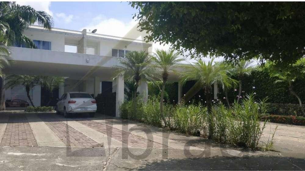 Venta de casa en Isla Mocolí, Samborondón, cerca de Mocolí Golf club y CC Plaza Lagos,