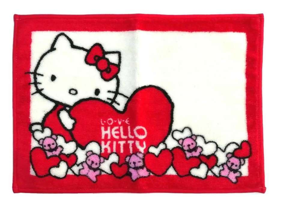 HELLO KITTY ALFOMBRA CORAZON ROJO