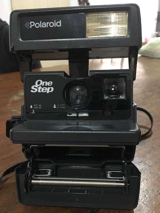 Cámara Instantanea Polaroid One Step 600