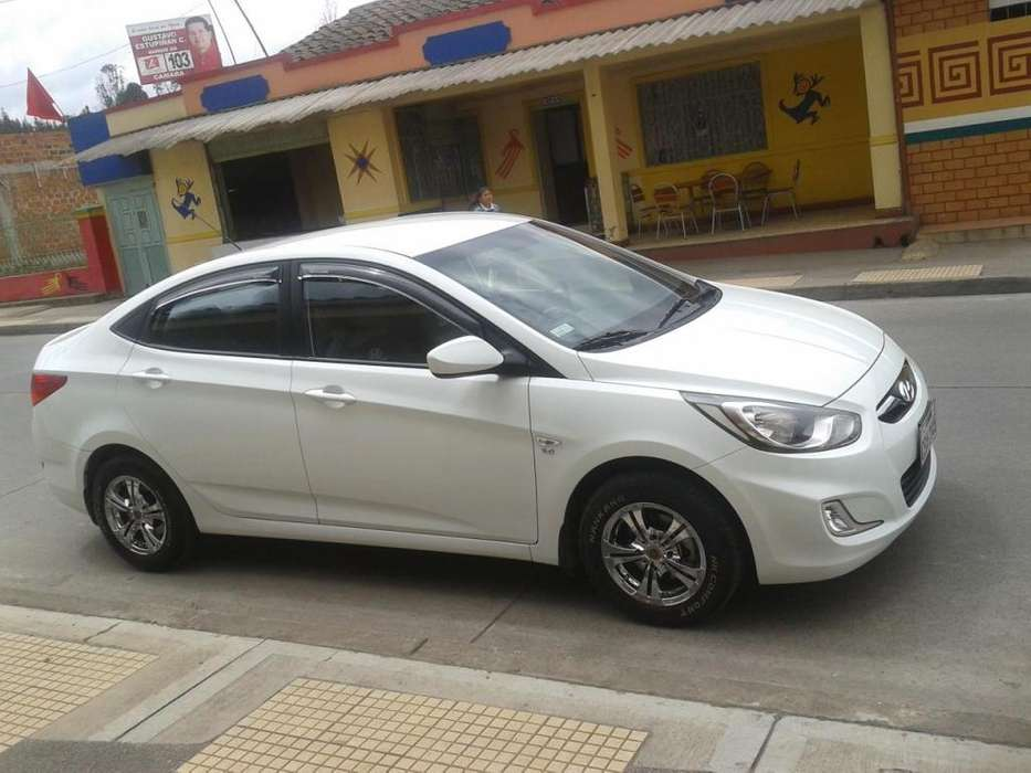 Hyundai Accent 2012 - 105000 km