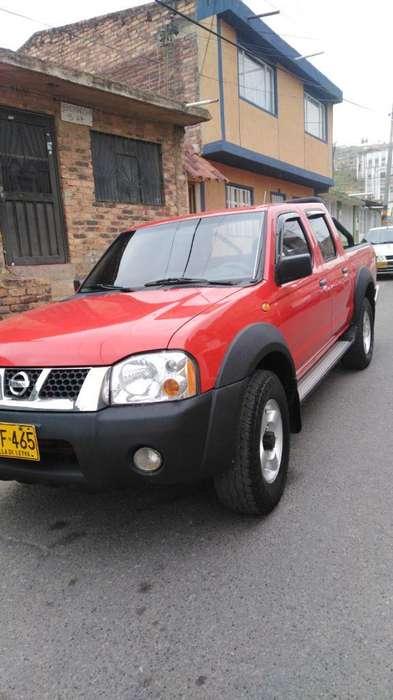 Nissan D-22 2007 - 186000 km
