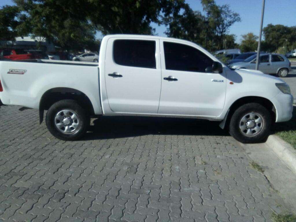 Vendo Toyota Hilux Dx Pack 2.5mod.2013