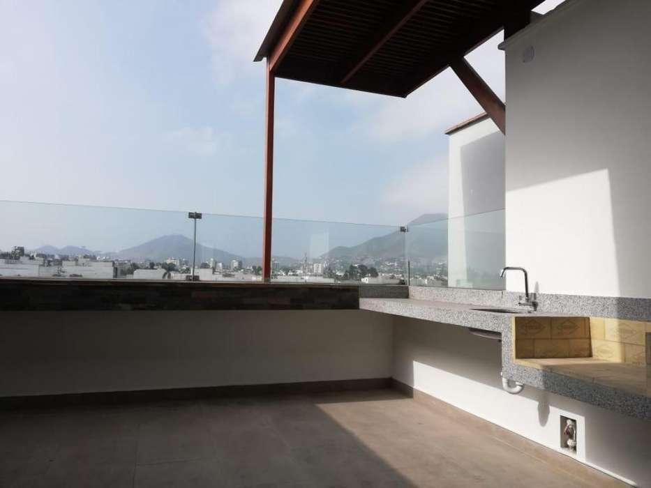 VENTA DEPARTAMENTO TRIPLEX DE 248m2 Urb. Las Gardenias - Surco