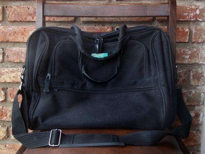 Bolso Original Benetton para Notebook y Papeles