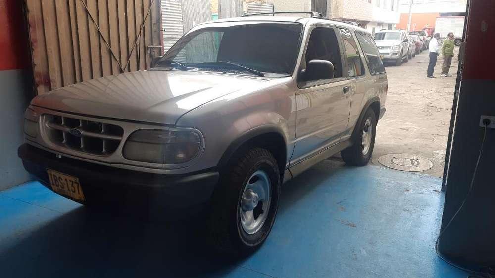 Ford Explorer 1997 - 237000 km