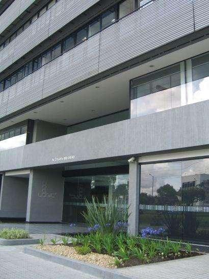 Bella <strong>oficina</strong> con vista a los cerros Orientales en edificio inteligente 1800080