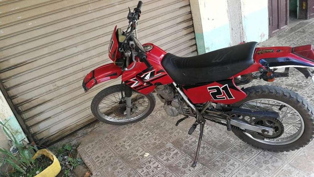 De oportunidad moto <strong>honda</strong> XL200 1000