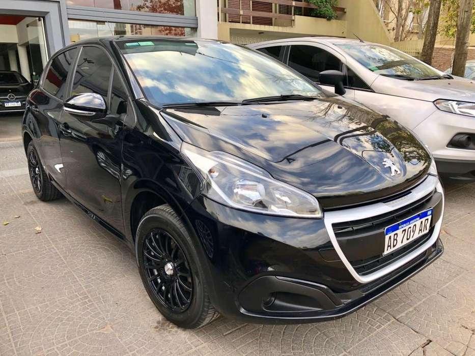 Peugeot 208 2017 - 17000 km