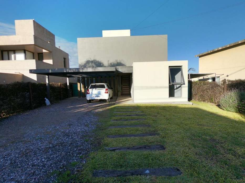 Casa Dos Platas La Estanzuela Amoblado