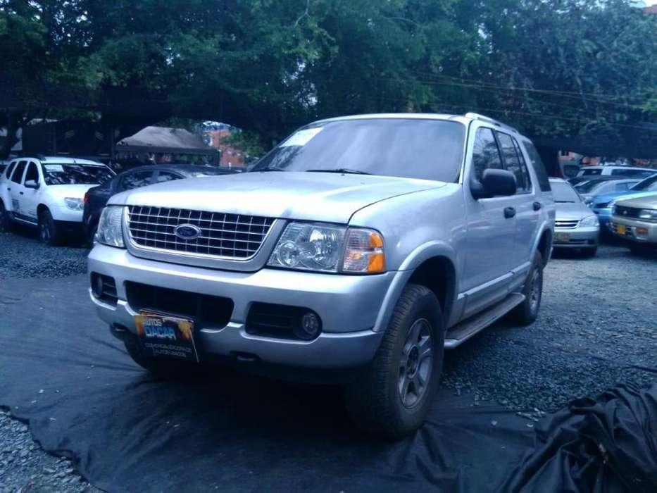 Ford Explorer 2004 - 148976 km