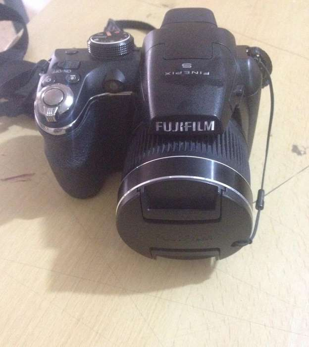 Camara Digital Finepix S