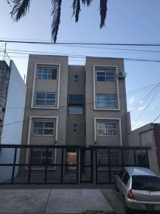 Departamento Tipo Casa en alquiler en Ezpeleta Este