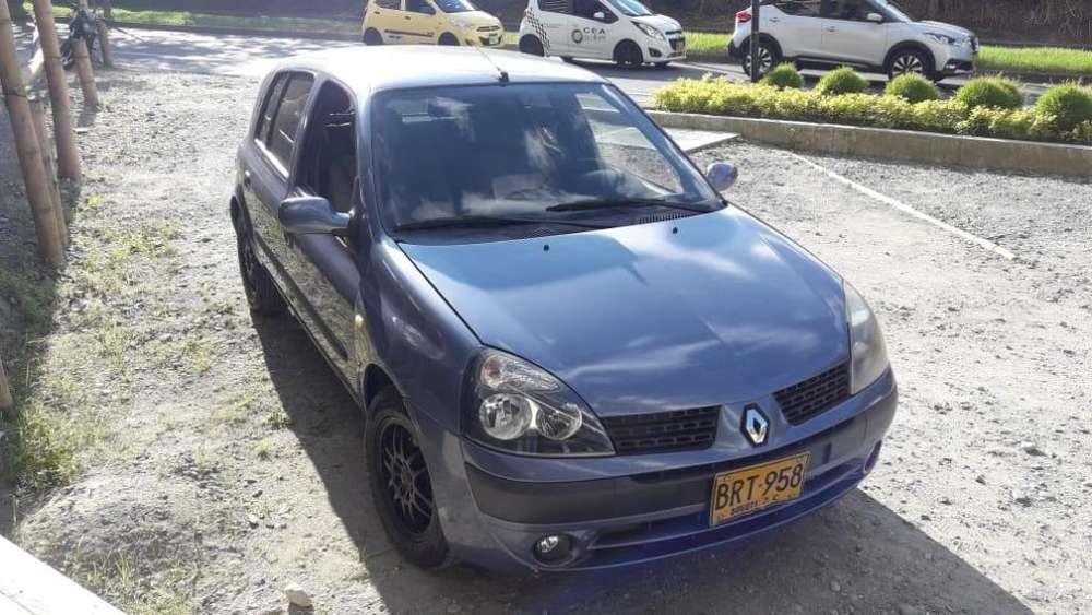Renault Clio  2005 - 169000 km