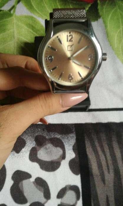 Vendo Reloj Yanbal