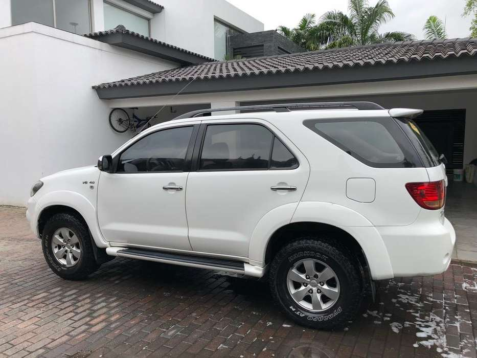 Toyota Fortuner 2007 - 197000 km