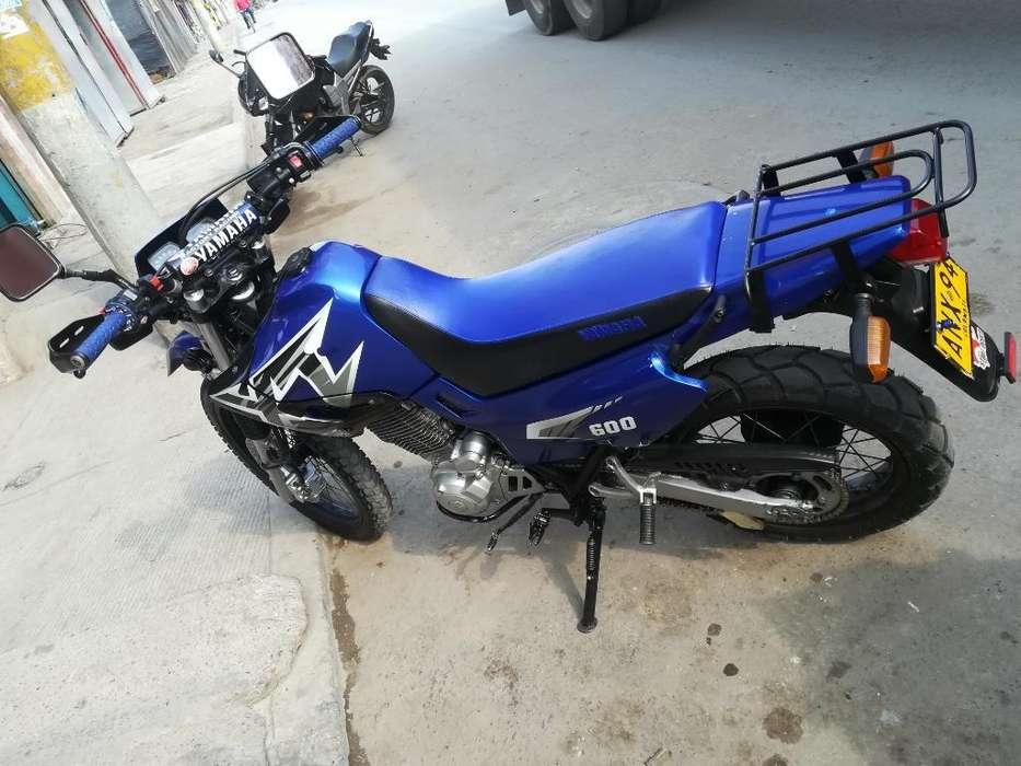 Moto Xt 600 Modelo,2004 Marca Yamaha