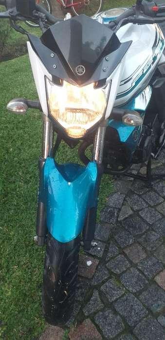 Moto Fz