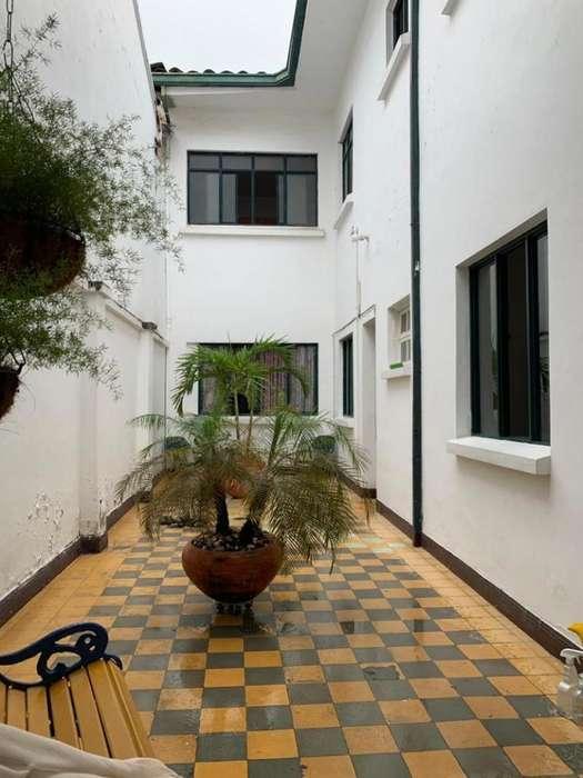 Casa En Venta En Cali El Cedro Cod. VBSUM461168