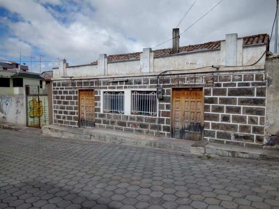 Casa en Venta en Riobamba/ Centro de Calpi