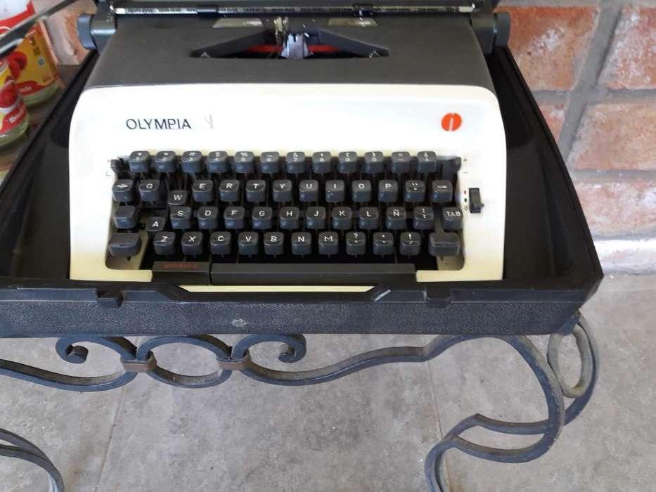 Mquina de escribir Olympia