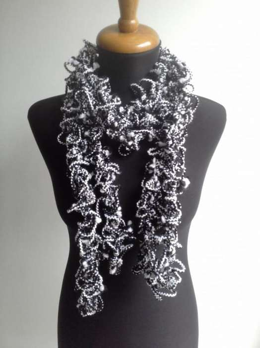 Bufandas y gorros tejidos artesanales